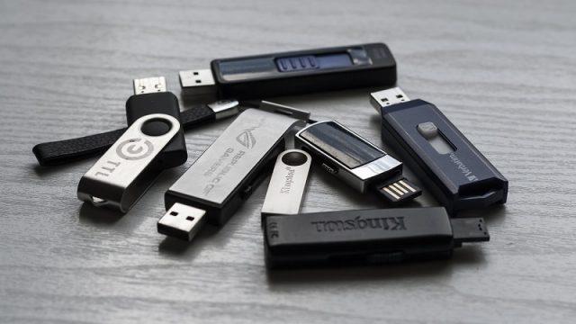 Clés USB carte de crédit et carte de visite imprimées avec votre logo