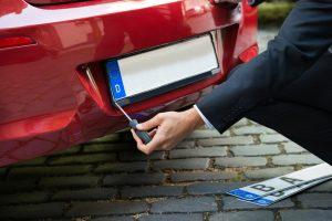 Nettoyer sa voiture : les deux types de lavages